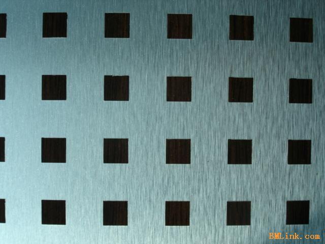 HPL主要有两种类型:直板(standard HPL)和弯曲板(post forming