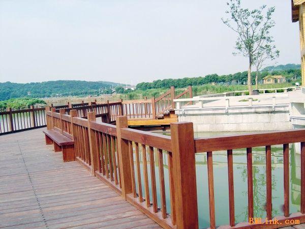 湖州防腐木景观木栏杆