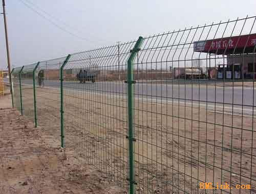 供应高速公路隔离栅