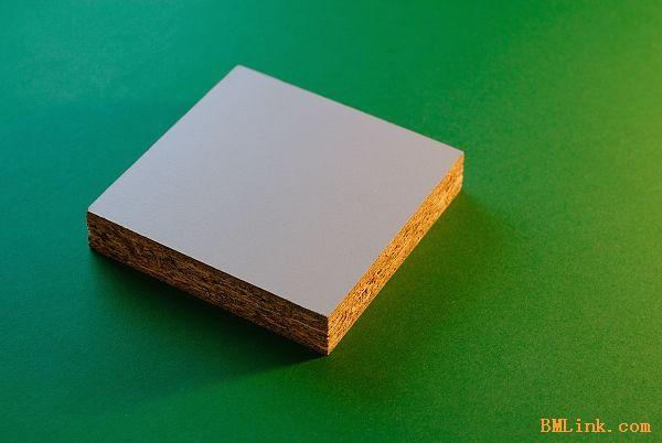 供应刨花板 三聚氰胺贴面板