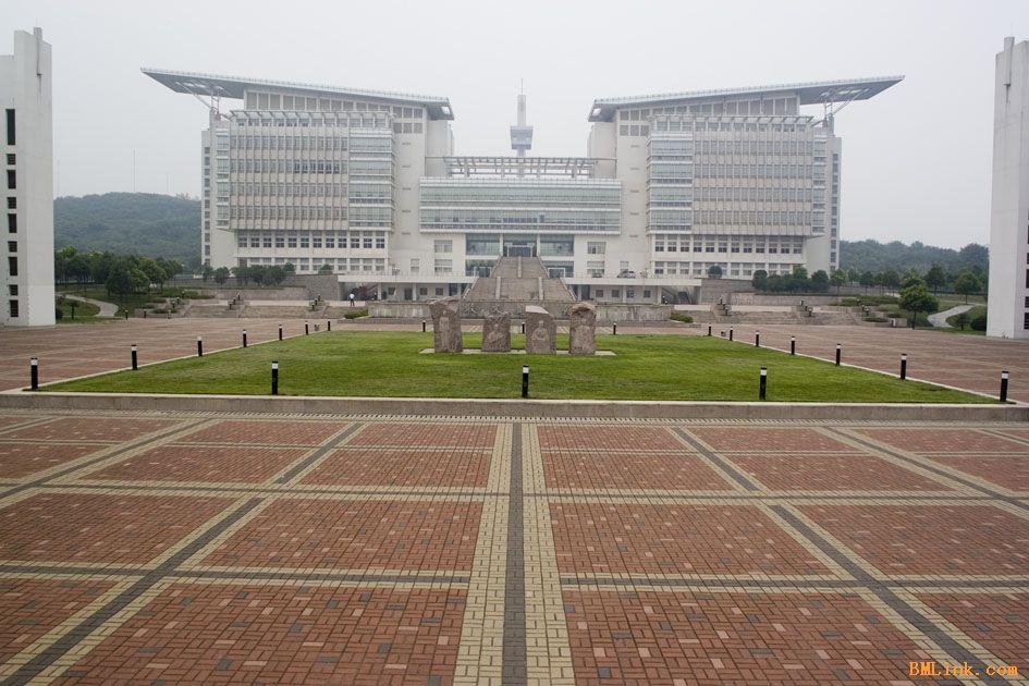 淄博利诚公司生产各种规格烧结砖、广场砖