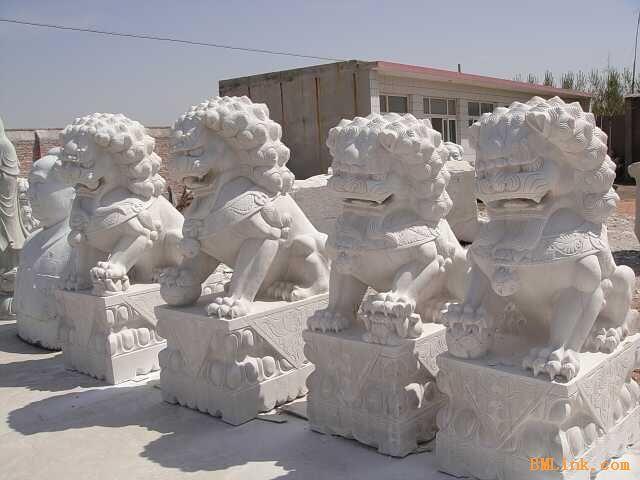 供应草白玉狮子,等石制品
