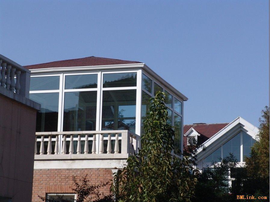 太仓玻璃贴膜让房子披上时尚外衣