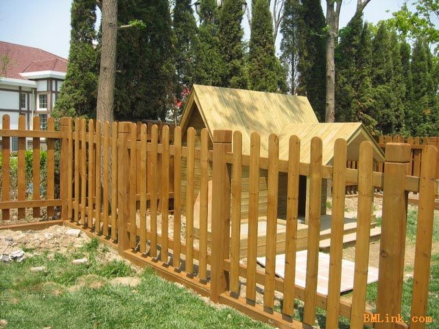 无锡防腐木栅栏