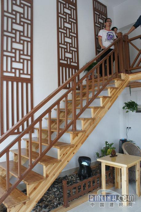 旋转楼梯,实木楼梯,楼梯扶手-【效果图