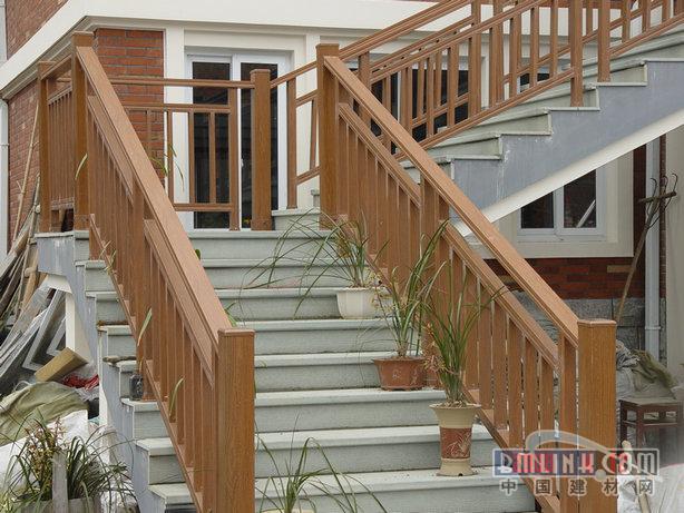 木纹金属楼房楼梯,楼梯扶手