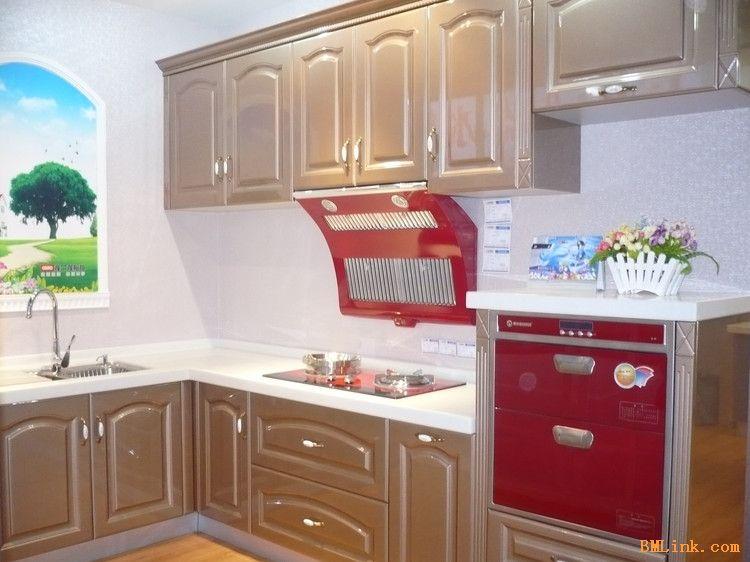 也叫整体,是将橱柜,,燃气灶具,,洗碗机,冰箱,微波炉,电烤箱,水盆图片