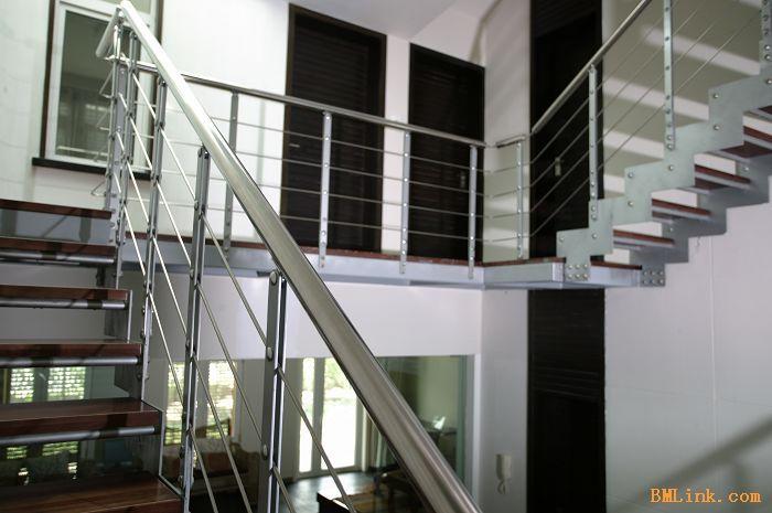 不锈钢玻璃楼梯扶手