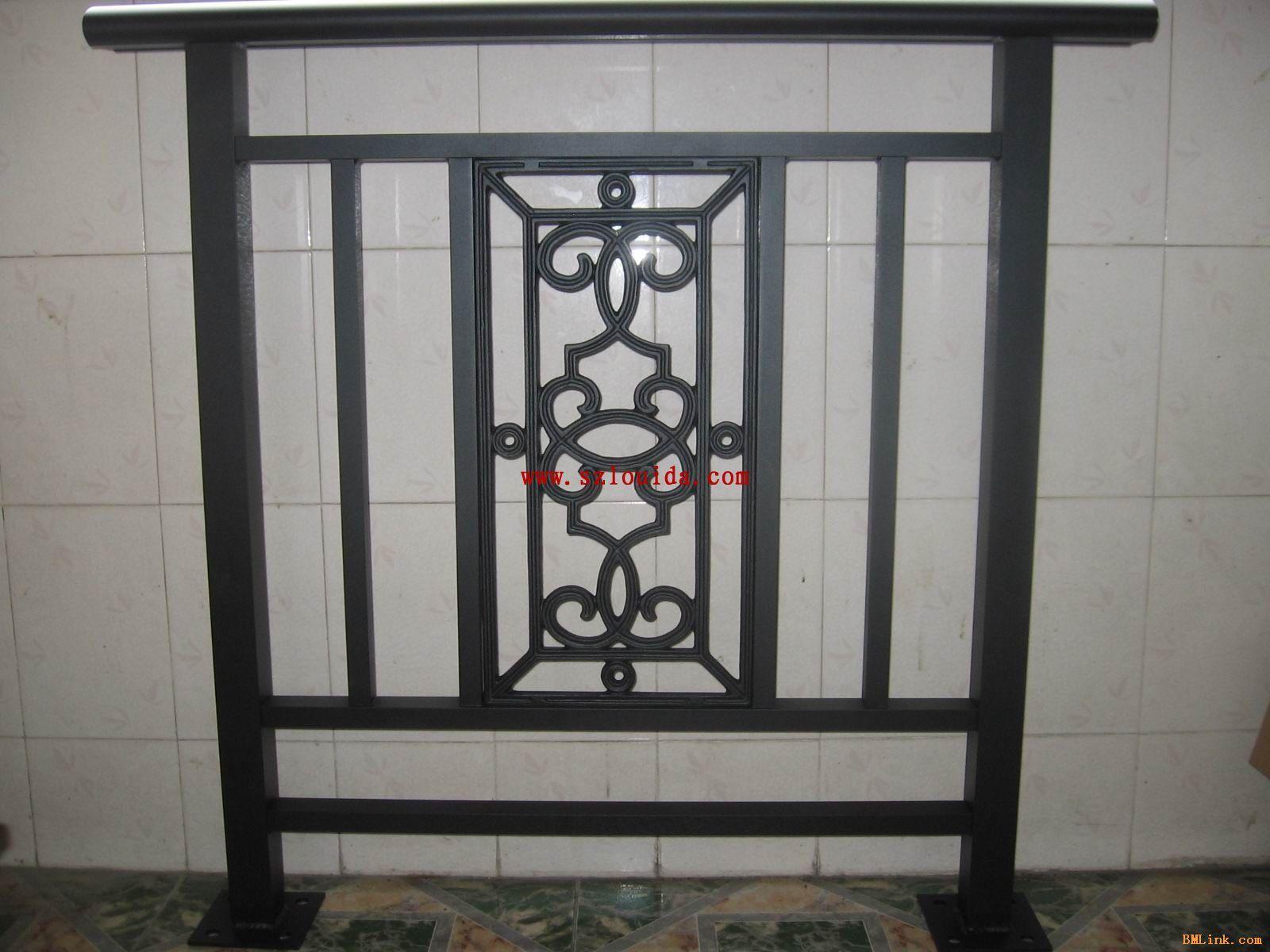 铝木阳台栏杆,铸铝栏杆,铝艺楼梯扶手,铝艺庭院门,铝合金围栏.