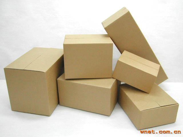 公司主要生产:纸箱,纸盒,进出口纸箱,大啤盒,啤卡,环保纸盒,地板纸箱