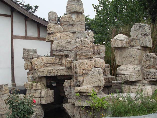 喷泉假山,户外照明,塑胶跑道,园林小品,仿真景观,雕塑制作,仿古建筑