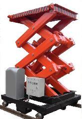 供应济南龙豪升降机、升降平台、升降货梯