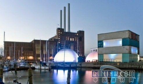 这个可持续性的由集装箱建成的展览厅由建筑设计公司mapt同哥本哈根市