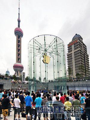 """世界著名建筑玻璃结构设计师james在""""2010年国际玻璃系统(gdp)"""