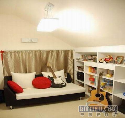 小户型装修 15平阁楼=客厅+卧室+书房