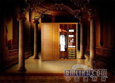 白色欧式衣柜,白色的墙或欧式的墙纸配浅色地板