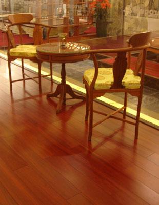 木地板演绎现代优雅(图)   自人类进入工业社会以来,对大自然的索取不