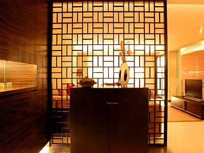 设计精美的客厅玄关,不但令人一进   门   便感觉到眼前一